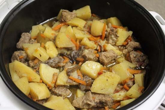 Как тушить ребра с картошкой