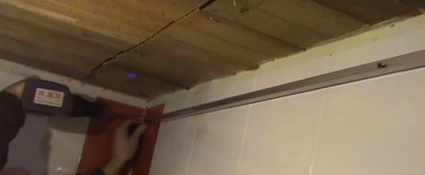 Крепление уголка на плитку