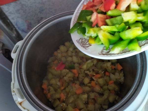 Перец в баклажаны